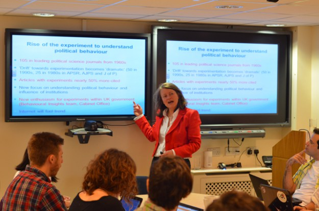 SDP2012: the OII's Professor Helen Margetts leads a seminar on use of experiments to understand political behaviour. Students also present and discuss their own thesis research with faculty and students.