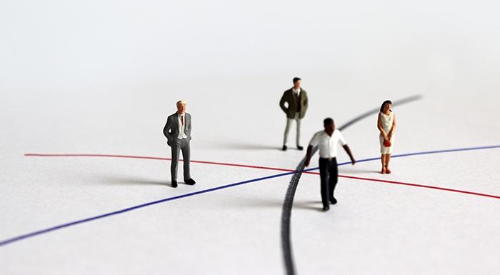 Figures on diverging lines